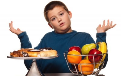 """Παιδική παχυσαρκία: """"Δεν πειράζει θα το πάρει σε μπόι ..."""" η αλήθεια είναι ότι δεν θα το πάρει!"""